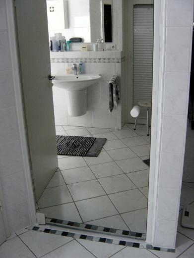 dusche neu verfliest 2. Black Bedroom Furniture Sets. Home Design Ideas